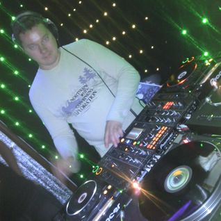 You ever tempted music ..... Meet my set deep into the house! Hope you like it))) Music is a temptat