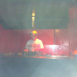 sankeys bar 25-5-2012 mixed by ian lowry
