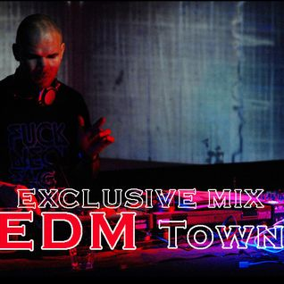 Yves Bash - Exclusive Mix for EDM Town