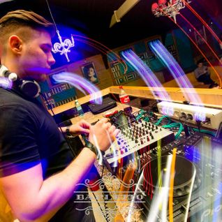 Santino @ DANCE FM 09.05.2014 Deep Dance Therapy Session 15