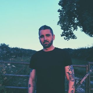 Sunset Graves: The 'Shine A Light On' Mix