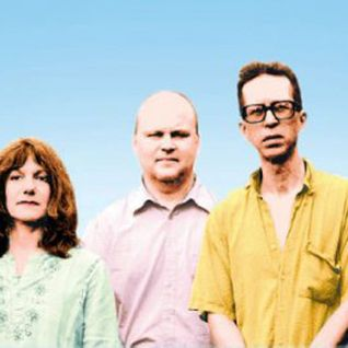 28 Apr 2011 - feat. THE FEELIES interview