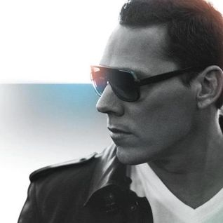 Tiesto Year Mix 2012 (Mixed By Tiesto Club Fans)