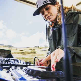 Let The River Flow_DJ R.I.A_ Live at Wanderlust Thredbo with Gabor