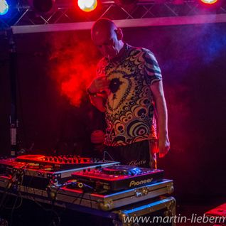 Mixmaster Morris @ Big Chill Bar Nov 2015 pt1