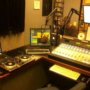 2 Hours of Awesome! 90.3 FM 11/16/12 7-9pm