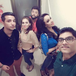 SOPHIYA AHMED , SAMIA MIRZA , SANA ZEE , ZUNAIR AND AMIR ON MAST FM 103 EID SHOW WITH DR EJAZ WARIS