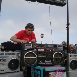 Sergio at The Boombox Affair! Mission Dolores Park !ALL VINYL!