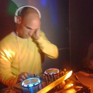 DJ Hamish LIVE on Raverholics Radio 4th Nov 2014 - www.facebook.com/raverholics