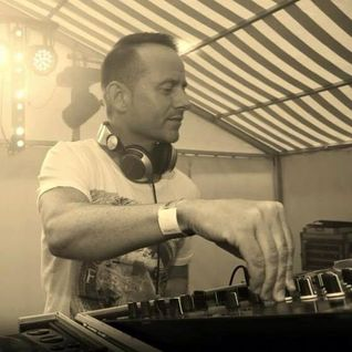 Baz 39 s favorites mixcloud for Piano house anthems