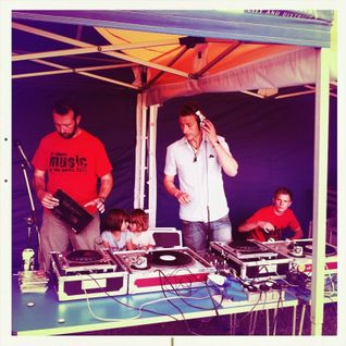 Beardo Vs Hansi - Music in the parks 2011