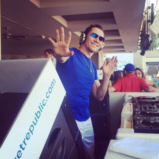 Tiësto - Club Life By Tiësto Episode 485 (15-07-2016)