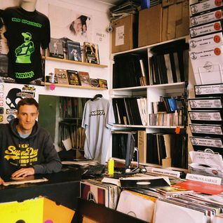 04. Living with Vinyl - Dan DnR Vinyl - Nov 2014
