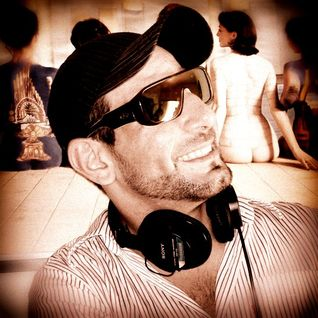 WesLeY CaSaLi - Promo Set - Deep Tech House - (Exclusive Janeiro 2013)