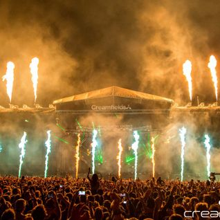 Showtek @ North/South Stage, Creamfields UK 2014-08-23