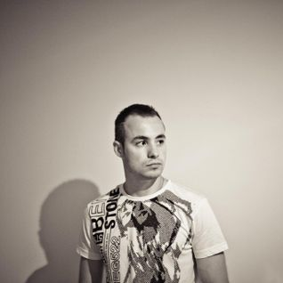 Simon G (Estonia) @ Resident Night 6 (2.12.2011, Club Ibiza, Tallinn)