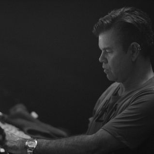 Paul Oakenfold - Exclusive Mix - CLUBZ