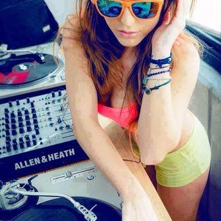 Play It Loud (Soundz Private Mix) Elvis Xhema Dzema & D - Tech