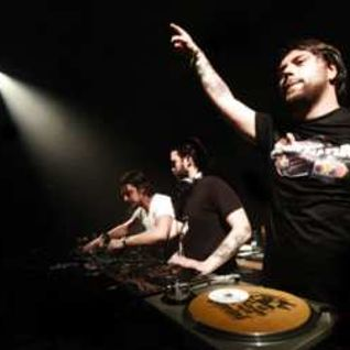 Rodrigo Kadosch feat. Swedish House Mafia - Reach Out Vs Leave The World Behind (Tribute Mashup)