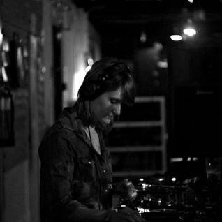 eDina @ SHE FIRE Sounday Donutday @ MÜSZI (21-02-2016)