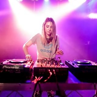 Alison Wonderland - Diplo and Friends (04-27-2014)