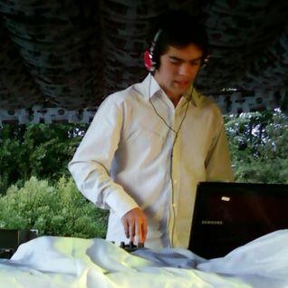 Dj Ricardo Reyes Enero 2012 - Demo with Traktor S4