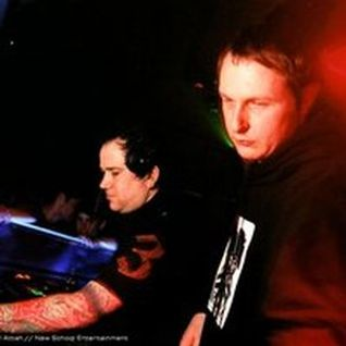 Technical Itch & Dylan - Live at A38 - 2004
