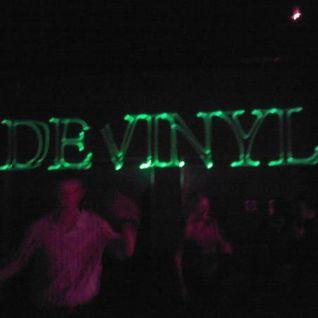 Devinyl - Dark N Dangerous Decibels - D'N'B Set 2000/01