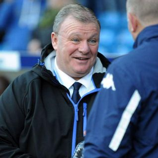 "Steve Evans: the ref ""should be referring the under 9s on a park pitch"" #LUFC"
