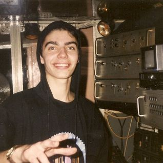 Alkalino 1991 HOUSE DJ Set (first DJ residency - Lisbon)