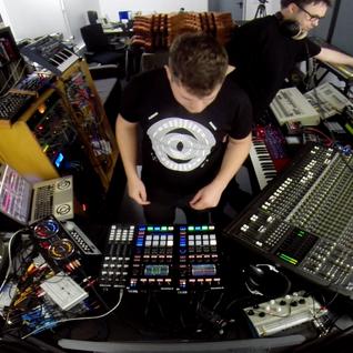 Florian Meindl - Sun & Rain feat. Jamie Anderson (LIVE Version) preview