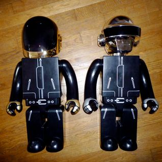 Daft Punk - BBC Radio 1 Essential Mix (Heroes of 2001 HOTMIX) (12-28-2001)