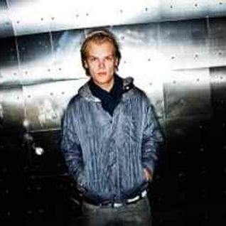Avicii - Live @ Pier 94 (New York City) - 01.01.2012 - www.LiveSets.at