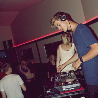 Nicolai Espenhein - Septemper 2012 Mixtape