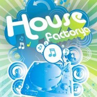 (JustMusic.FM) HouseFactorya live by Steve Deluxe (2011_12 03)