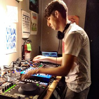 James Holden (Border Community) @ BIS Radio Episode #697, WNYU 89.1FM - New York (01.10.2013)