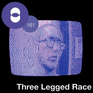 Concepto MIX #161 Three Legged Race