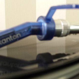 DJ Random - Grizzly Rolling 303 - Toothknocka
