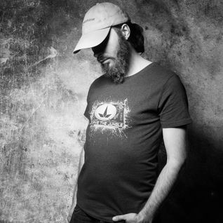 Volume 11: UWC Live Radio Takeover - DJ SweetLeaf