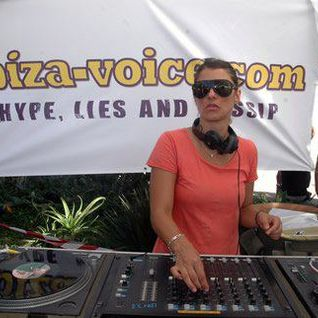 Tania Vulcano @ TENdance Radio Show (December 2011)