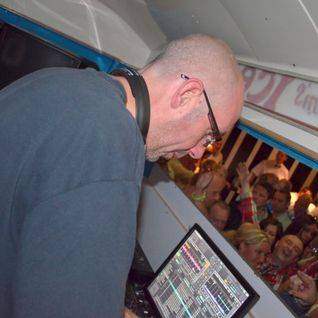 DJ VERTIGO LIVE AT THE POINT INN KELLYS REUNION JUNE 2012