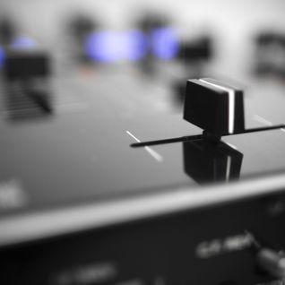 RADIO SHOW EN VIVO - URBANA RADIO 88.3 www.urbana883.com.ar  HOST & DJ SET BY GUILLE QUINTEROS