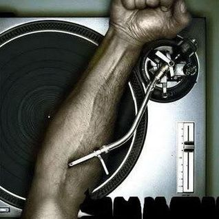 Alternoize Dj from Power Club -Makes Difference- in the mix - Power Sound 2k11