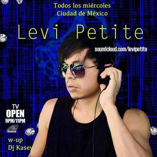 Levi Petite - Algoritmo