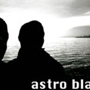 ASTRO BLACK show #5 (13.10.2004) : music selected by skymark & ill dubio
