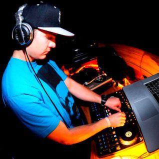 Sam F - Redbull DJ Master Mix @ Motiv 5/17/2012