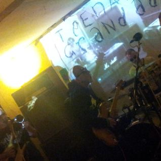 The Huer - Teenage Grandad - Live at the Worlds End -  19th Jan 2013