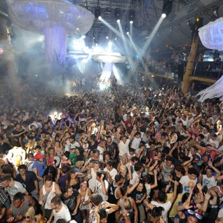 Amnesia Ibiza presents, Cocoon Heroes Closing Party 2011, Part 4 - Loco Dice / Sven Väth