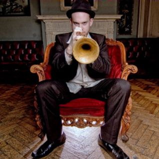 The International Ronnie Scott's Radio Show with Ian Shaw featuring ace UK trumpeter Quentin Collins