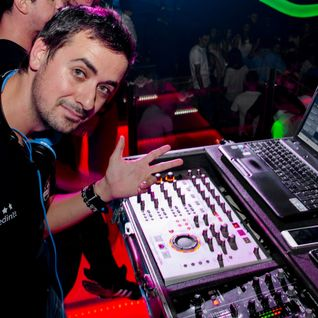 OLiX in the Mix at Partydul KissFM 271 Club Athos - Baia Mare 11 mai 2013